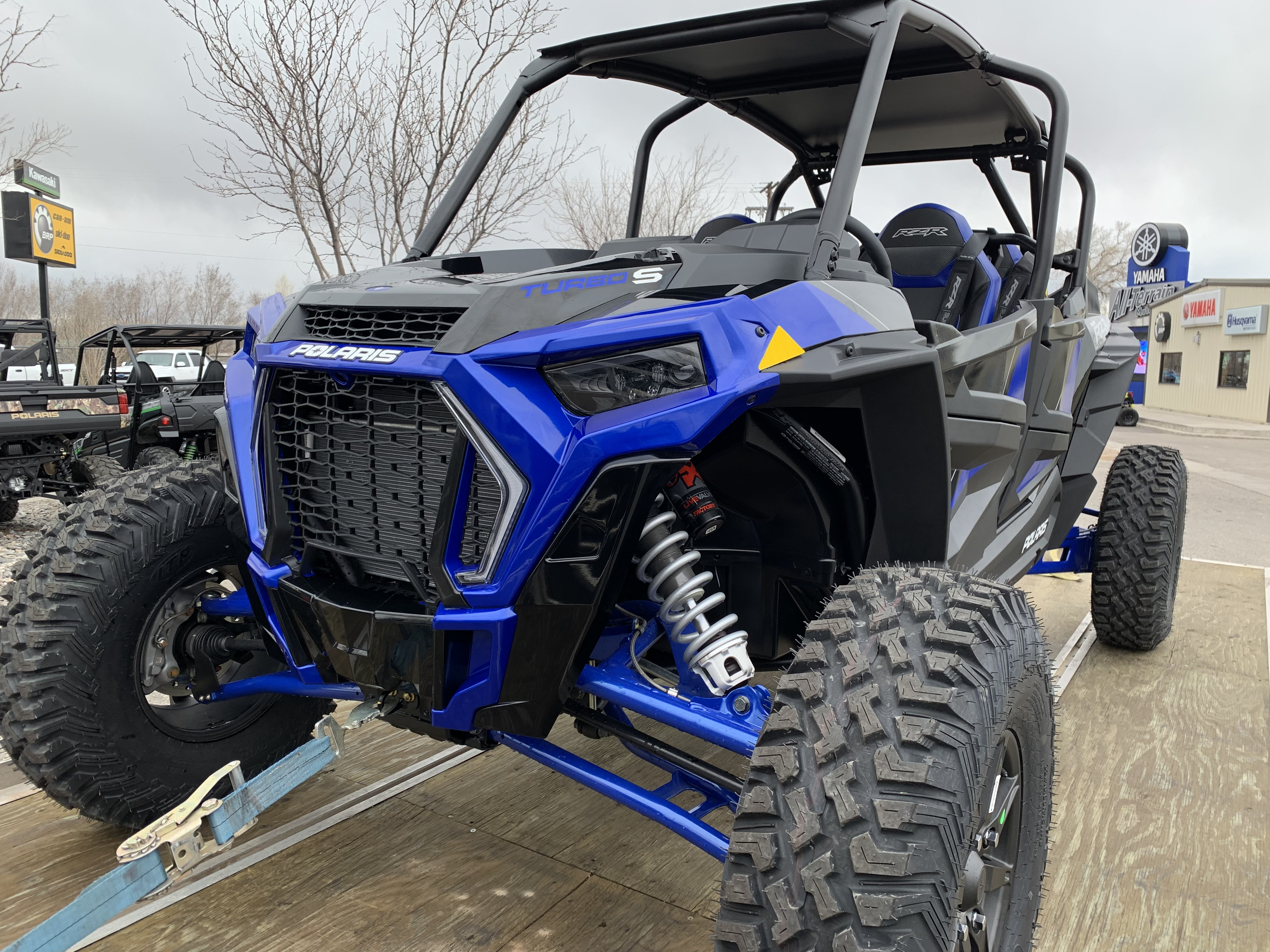Polaris Side By Side >> Rzr Side By Sides For Rent In Denver Vail Co Vail Extreme Rentals